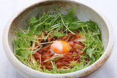 料理メニュー写真ベーコン・しめじ・金太郎卵のペペロンチーノ