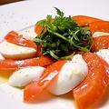 料理メニュー写真フレッシュトマトのカプレーゼ