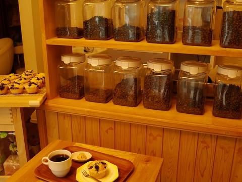 リーズナブルなお値段で本格的な自家焙煎スペシャリティコーヒーが味わえるお店。