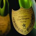 プレステージシャンパン【ドン ペリニヨン】をはじめヴーヴクリコ/キュベェルイーズポメリー/シャンベルタン/バローロ・シャブリグランクリュ/ムルソー・リムーザンなど上質シャンパン・ワインを多彩にご用意。二人の特別な記念日にラグジュアリーな乾杯はいかがでしょうか?
