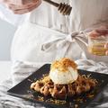 料理メニュー写真クロッフル ニュージーランド産バニラとブラウンチーズ