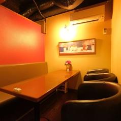 2~5名様向け個室。※個室のご利用は☆飲食代金合計が2万円以上、又は☆小さなお子様がいる等のどちらかの場合となります。その他は要相談。個室は大変人気ですのでご予約はお早めに。