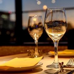 スペイン伝統料理と直輸入ワインが楽しめます。