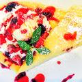 料理メニュー写真陽気なアマーニシェフの手作りクレープ~3種果実のベリーベリーベリー~