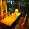 開放感いっぱいのテラス席が自慢の隠れ家バル♪風を感じることのできる爽快スポット♪プライベート感あるテーブル席、仕事帰りに立ち寄って飲めるバルスペースなど様々なシーンに対応できる店内となっております。