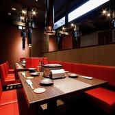 お客様の人数に応じた素敵なお席をご用意させていただきます!高級感溢れる店内でカジュアルに焼肉をお楽しみください!