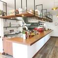 おしゃれなオープンキッチン使用♪開放的な空間を演出している1つで、コーヒーの良い香りが立ち込めます☆