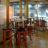 バル風テーブルがバル飲みを盛り上げる♪お洒落なバル風テーブル席は2名様~8名様まで!