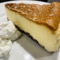 料理メニュー写真自家製大人のチーズケーキ