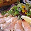 料理メニュー写真炙りサーモンの塩パッチョ