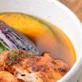 【エスの種類豊富なスープ紹介♪】《エスレギュラースープ》「毎日でも食べられるスープ」をコンセプトに創業2000年より改良を重ねたクラシックスープ。鶏ガラや野菜、日高昆布を使用、和風テイストに仕上げたスープです☆