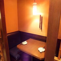 2名様用のテーブル席
