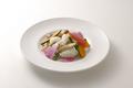 料理メニュー写真アオリイカと季節野菜の天日塩炒め