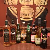 スコッチ、ワイン、ビールなどなど、豊富な品揃え!