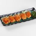 料理メニュー写真北海道日高産鮭のザンギ~いくらのせ~