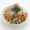 料理メニュー写真天草あじの干物と葱のサラダ