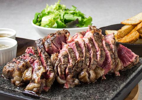フランスパリ18区に本店を構える『肉ビストロ』サクレ・フルールが日本初上陸!