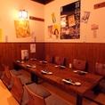 レイアウト自在のお座敷個室(写真は8名様用)は最大16名様までご宴会可能。