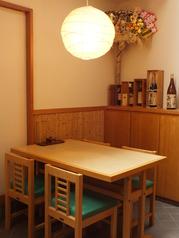 接待や各種会食等におすすめのテーブル席。ごゆっくりお寛ぎ下さい。
