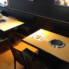 テーブル全170席