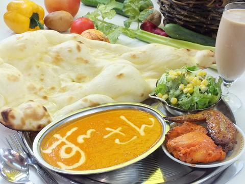 気軽に食べられる本場のインドカレー