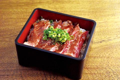 ★限定10食【デザート付き】A3和牛ステーキ重◆予約&クーポン利用で2838→2640円(税込)