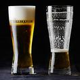 ビアマイスターが注ぐ、きめ細かい泡の美味しい樽生ビールが自慢。