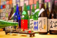 厳選全国地酒3種飲み比べが880円でお楽しみ頂けます。