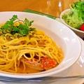 料理メニュー写真カニとウニのトマトクリームパスタ