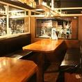 ゆったりくつろげるテーブル席2名様~8名様がご利用頂ける少人数のお客様に人気のスペースとなっております♪女子会や合コン、仲間内での飲み会にぴったり◎アラカルトメニューよりお得なコースは2980円~ご用意しております、当店名物の唐揚げを片手にお食事をお楽しみくださいませ♪【天神 居酒屋 飲み放題】