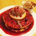 料理メニュー写真フォレスト ベリーズ パンケーキ 高級バローナチョコラータジェラート添え