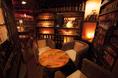 MoodToyoでは密閉された個室はございません。そんな中でも半個室に近いスペースがこちら。(禁煙スペース)              【予約】ソファーをスツールに変更し4席に変更出来ます。(状況により)