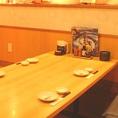2~6名掛けのテーブル席。