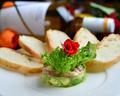料理メニュー写真鮪とアボカドのタルタル