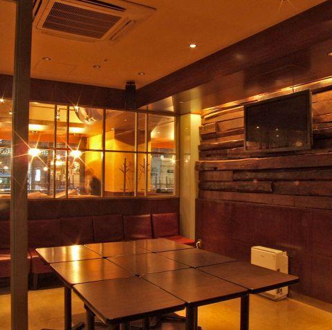 テーブルは自由に動かせます♪各種イベントごとに大人気◎限りが御座いますのでご利用の際には、お早めにご予約を!
