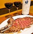 料理メニュー写真熟成肉アンガス牛トマホークステーキ 約800g