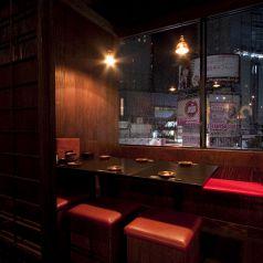 渋谷の夜景を一望出来る窓側個室【4~6名様】 個室カップルや少人数での飲み会にオススメ♪