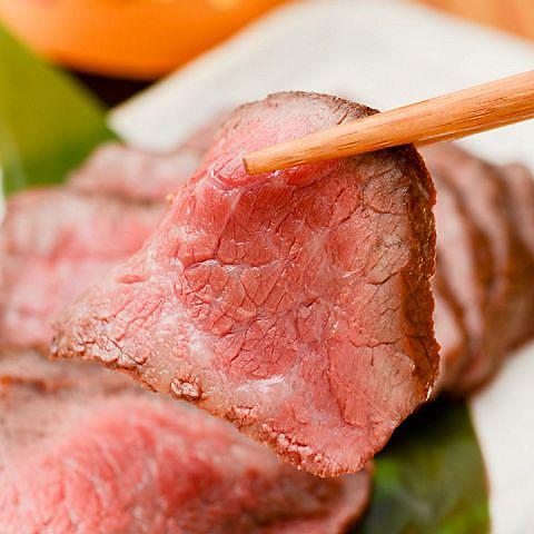 下北沢駅徒歩3分★熟成肉がリーズナブルに!ブルースが流れる落ち着いた大人の居酒屋