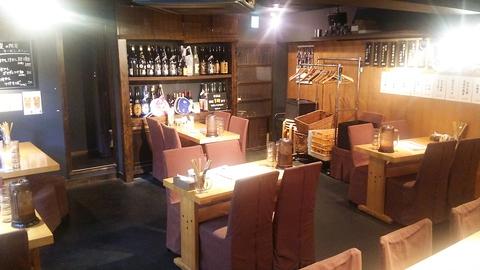ラーメンを柱とした居酒屋スタイル。地酒や焼酎が豊富で旬の食材を用いた肴が多彩!!