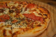 料理メニュー写真マルガリータピザ