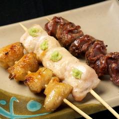料理メニュー写真-鶏串- 皮/ボンジリ/鶏レバー/砂肝/ねぎ間/自家製つくね