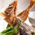 料理メニュー写真沖縄県魚グルクンの唐揚げ