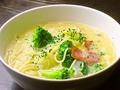 料理メニュー写真ベーコン・ポテトとブロッコリー(クリーム味)
