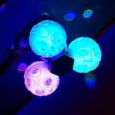 照明設備が充実!ムービングライトや新型ミラーボール【ハットトリック】も導入!