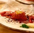 料理メニュー写真和牛兜寿司(ウニソース・甘ダレ・山椒塩)
