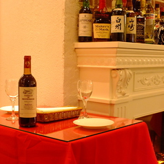 2名席はデートや仕事帰りのサク飲みに是非ご利用ください。