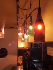 暖色の電球が隠れ家の雰囲気をさらにお洒落に…