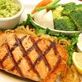 料理メニュー写真アトランティクサーモングリルFresh Atlantic Salmon Grill