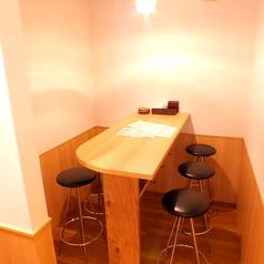 1階奥のテーブルです最大6名様までの席です