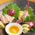 料理メニュー写真朝引き鶏のお造り 5種